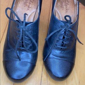 Clarks heeled Oxford